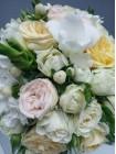 Ищите букет невесты?  букет «Белое платье+бутаньерка».