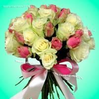 """Букет из белых и розовых роз """"Мелодия души"""""""