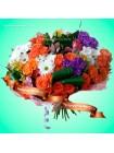 Летний букет из роз и хризантем